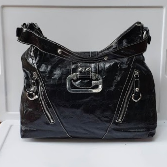 c1b1f5f7b Guess Bags | Women Black Faux Leather Handbag | Poshmark